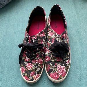 AE | Sneakers